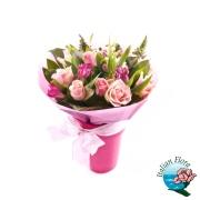 Bouquet di roselline rosa raffinato. Consegna in Italia.